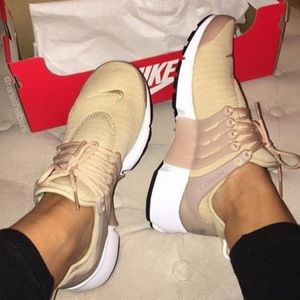 Nike Women's W Air Pesto - 7